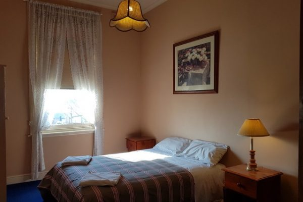 Madden's Commercial Hotel Accommodation Bedrooms